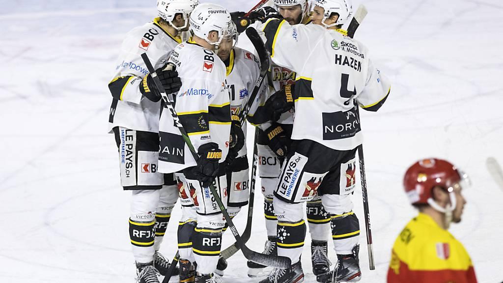 Die Ajoie-Spieler jubeln: Virtuell sind sie der Leader der Swiss League.