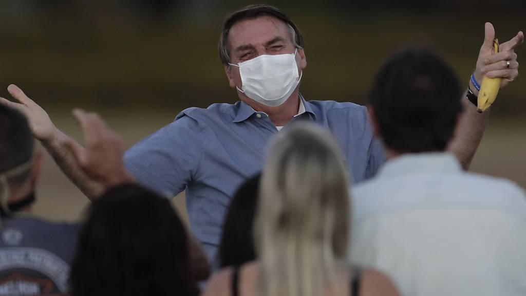 Brasiliens Präsident Jair Bolsonaro sagte am Freitag (Ortszeit) an einem Anlass, jedermann müsse sich auf eine Coronavirus-Infektion gefasst machen. (Archivbild)