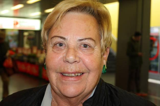 Elsbeth Beerli, Wettingen: «Zu viele Würste sollte man nicht essen. Wenn man im Monat aber drei Würste vom Grill verzehrt, schadet das nicht. Ich möchte trotz Studie nicht auf Bratwurst verzichten.»