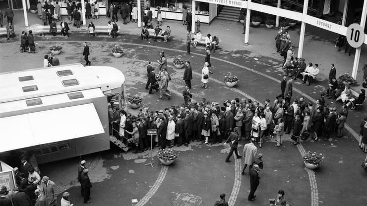 Andrang an der Muba 1966