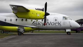Die finanziell angeschlagene Berner Regionalfluggesellschaft SkyWork hat ihren Flugbetrieb am Mittwochmorgen wieder aufgenommen.