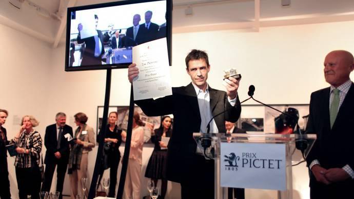 Luc Delahaye bei der Preisübergabe.
