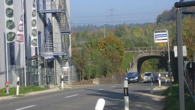 Die Feldstrasse wird von der Kantons- zur Gemeindestrasse zurückgestuft.