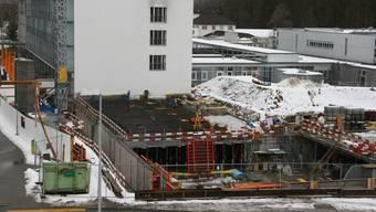 Am Erweiterungsbau Reha-Ost sind die Bauarbeiten derzeit eingestellt.