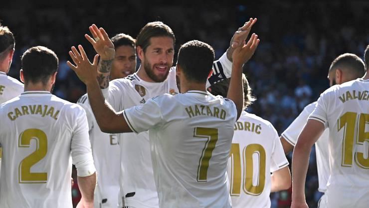 Eden Hazard (Nummer 7) freut sich über sein erstes persönliches Erfolgserlebnis bei den Königlichen