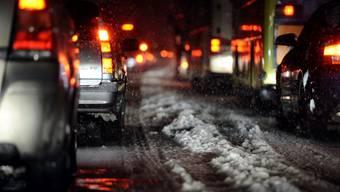 Bei Schnee und Strassenglätte ist Vorsicht geboten.