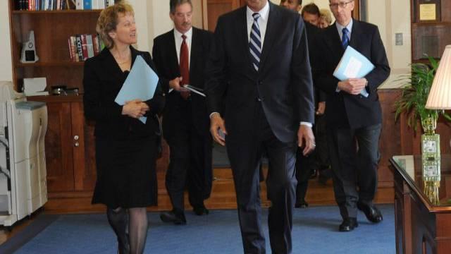 Widmer-Schlumpf und Holder bei einem Treffen 2012 (Archiv)