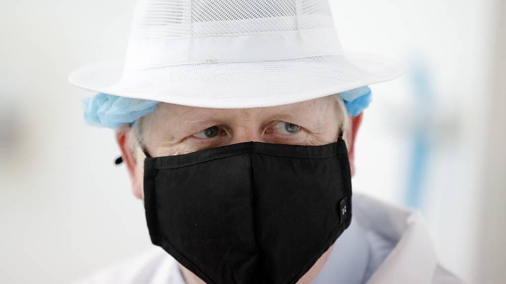 Coronavirus: Maskenpflicht in England tritt in Kraft