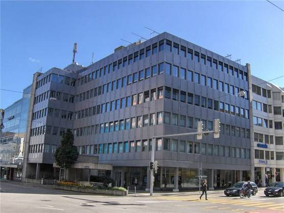 Vier Obergeschosse stehen an der Froburgstrasse 17 in Olten zur Miete aus. Zwischen 224 und 563 m² gross sind die jeweiligen Flächen. Der Netto-Mietzins beläuft sich zwischen 220 und 235 Franken/m²/Jahr.