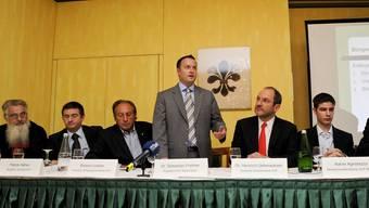 Bei der Basler SVP haben Intrigen und Putschversuche eine Tradition. Bei den neuen Attacken auf Parteipräsident Sebastian Frehner verdächtigt jeder jeden.