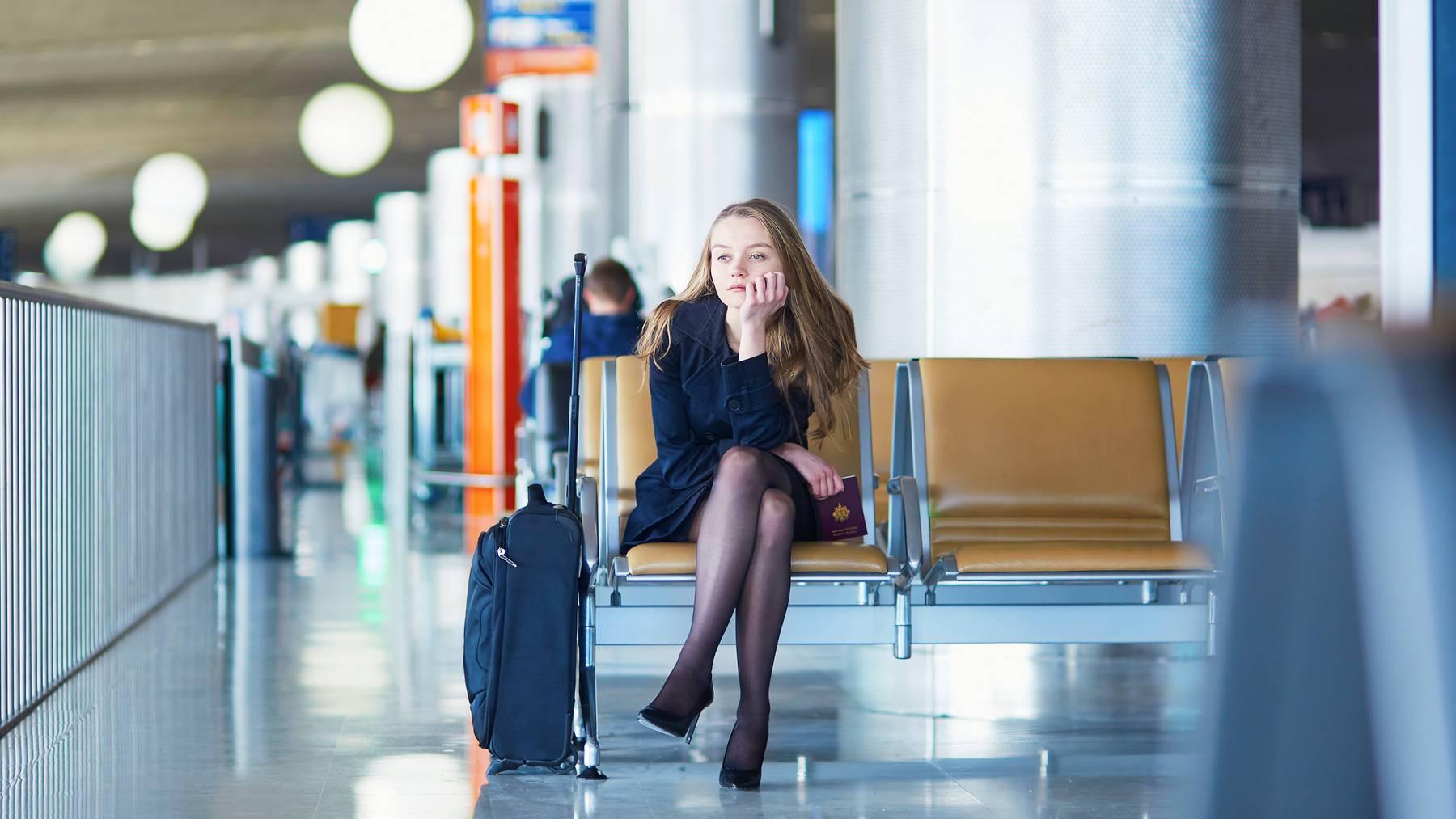 Ferienfrust pur: Flugverspätungen und Gepäckverlust können einem alle Ferien-Vorfreude nehmen. (Symbolbild)