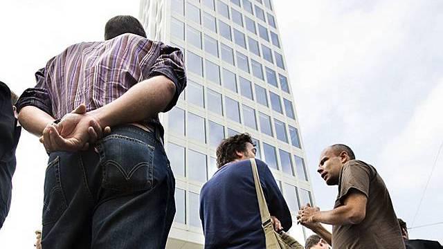 Journalisten vor dem Edipresse-Gebäude in Lausanne (Archiv)