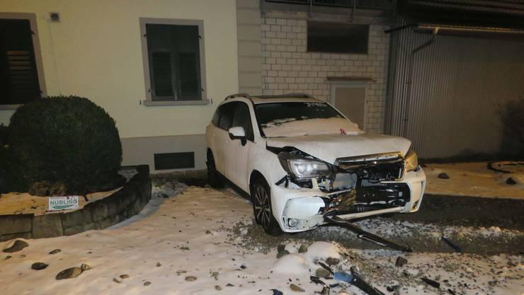 Ein stark alkoholisierter Automobilist kam in Villmergen von der Strasse ab.