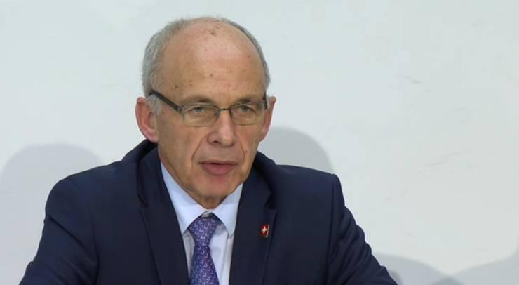 Ueli Maurer an der Pressekonferenz.