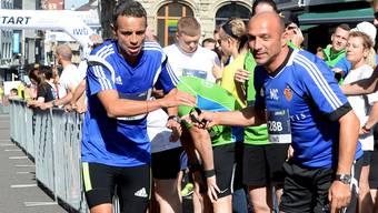 Werden bis mindestens 2016 zusammenarbeiten: FCB-Präsident Bernhard Heusler (links) und Massimo Ceccaroni.