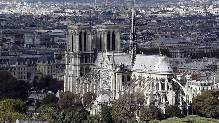 Macron für originalgetreuen Wiederaufbau von Notre-Dame