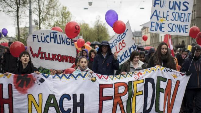 Zürcherinnen demonstrieren für Solidarität mit Flüchtlingen. Hier am 1. Mai 2016. Foto: Keystone