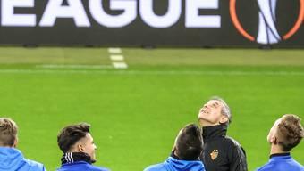 Braucht Marcel Koller mit FC Basel gegen Eintracht Frankfurt Beistand von oben?