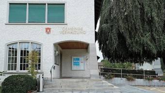Die Gemeindeversammlung findet doch statt: Gemeindepräsident Bruno Knecht (parteilos), Sekundarschulpräsidentin Isabelle Carson (FDP) und Primarschulpräsident Ernst Brand (SVP).