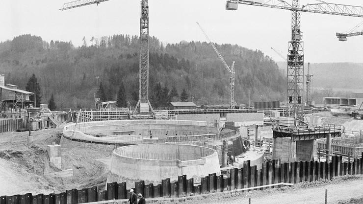 Die Baustelle des Atomkraftwerks Mühleberg im Kanton Bern, aufgenommen am 27. September 1967.