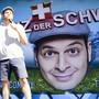 Kaya Yanar gefällt's in der Schweiz. Nur im Yoga-Kurs sind ihm die Leute etwas allzu ernst - vor allem, wenn es um Darmwinde geht. (Archivbild)
