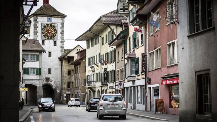 In Mellingen ist wieder Ruhe eingekehrt: Der Gemeinderat lockert das im Februar überarbeitete Datenschutzreglement für Institutionen und Vereine auf.Chris Iseli