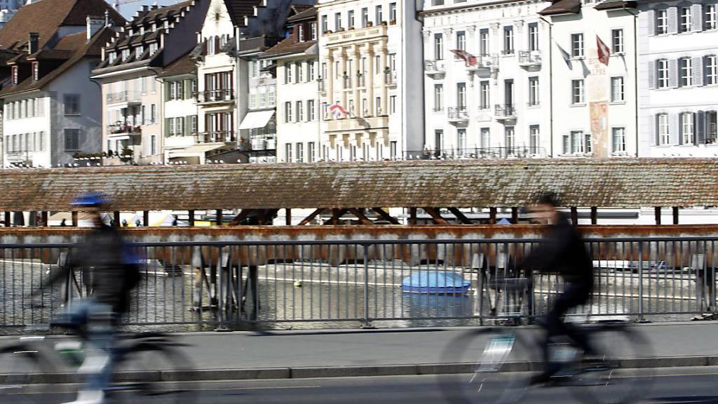 Luzerner Polizei büsst 40 Velofahrer