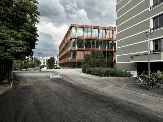 Markante Gebäude in der ganzen Stadt von Schneider & Schneider: Das Swissgrid-Gebäude an der Bleichemattstrasse wurde gestern Freitag offiziell eingeweiht. Es beinhaltet das Hirn desschweizerischen Stromnetzes.