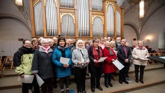 Dirigiert von Sven Ryf probt der Kirchenchor St. Mauritius kurz vor seinem ersten Einsatz im Jubiläumsjahr am ersten Gottesdienst im Januar.
