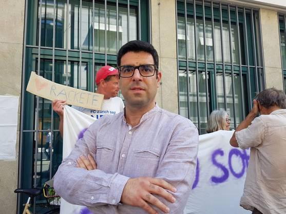 «Mich regt es auf, dass immer noch so viele Menschen im Mittelmeer ertrinken und es wenige gibt, die sich für sie einsetzen. Wir fordern, dass die Kapitänin freigelassen wird und dass Flüchtende in den Häfen von Italien und den anderen Ländern der EU aufgenommen werden. Das Gesetz muss abgeschafft werden, das es strafbar macht, Menschenleben zu retten.»