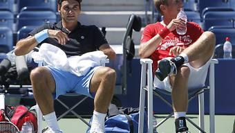 Roger Federer neben seinem möglichen Gegner Jarkko Nieminen