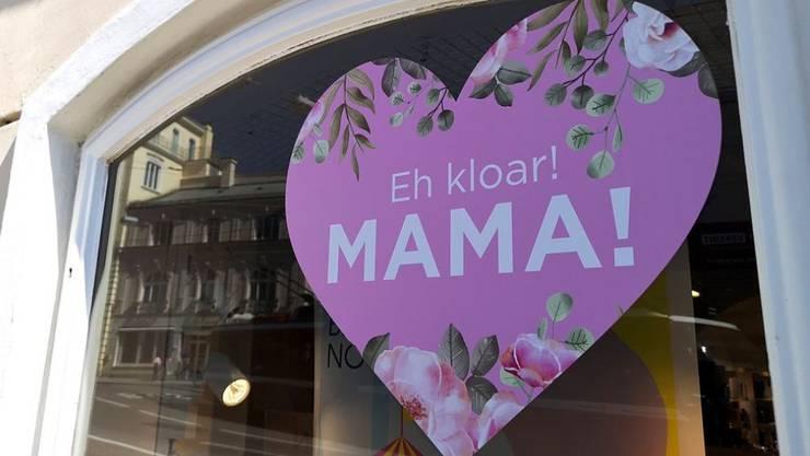 Am Sonntag ist Muttertag. In Österreich feiert man ihn seit 96 Jahren, in der Schweiz seit 104 und im Ursprungsland USA wurde er vor 106 Jahren offiziell eingeführt. Vorläufer des Fests gibt es aber wohl schon, seit es Mütter gibt.