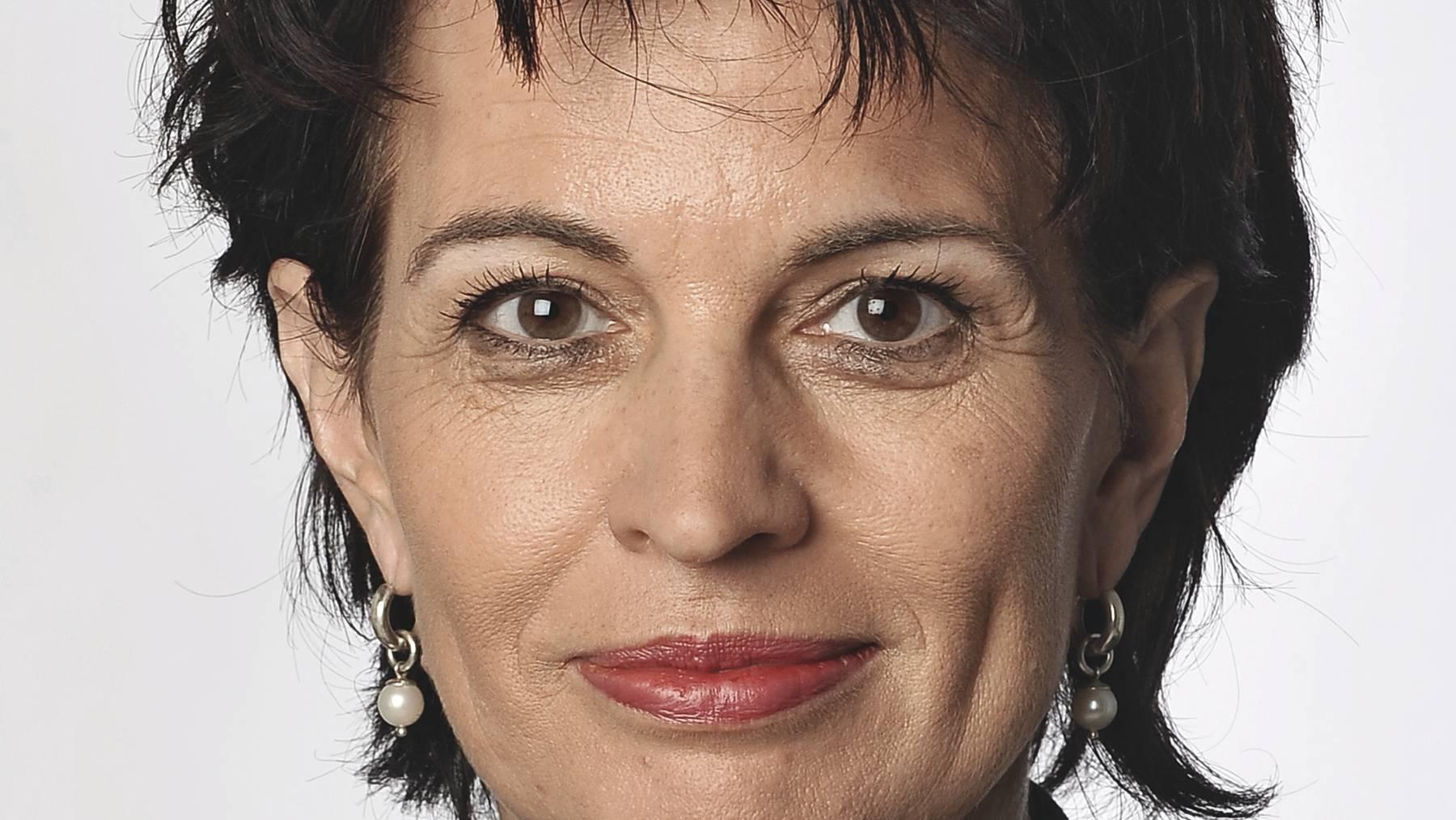 Doris Leuthard will mehr Geld von den Autofahrern