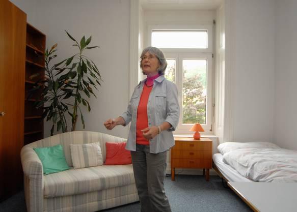 Daniela Fleischmann 2010 in einem der neuen Doppelzimmer der Obergeschosse.