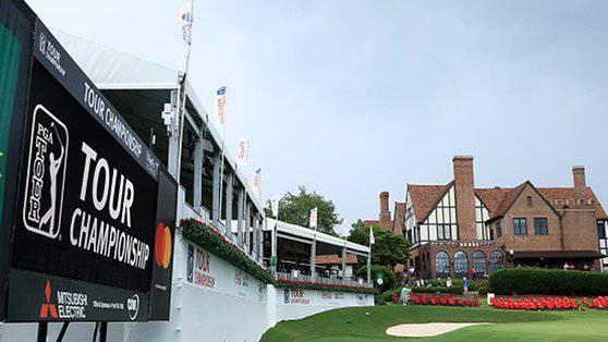 Beim Final der PGA-Tour in Atlanta kam es zu sechs Verletzten nach einem Blitzeinschlag.