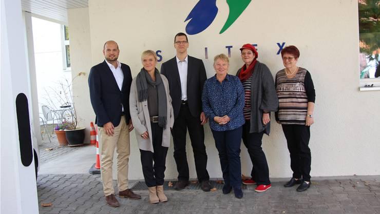 Die Spitex Surbtal-Studenland: Simon Knecht, Michaela Biedenweg, Gabriel Bürgisser, Erika Mosimann und Cornelia Sandmeier sowie die scheidende Priska Flückiger.