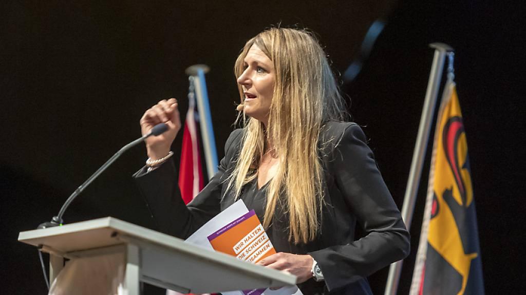 Béatrice Wertli wird neue Direktorin des Schweizerischen Turnverbandes. Bisher präsidierte die Aargauerin die CVP des Kantons Bern - im Bild an einer Delegiertenversammlung der CVP Schweiz im November 2019 in Langenthal