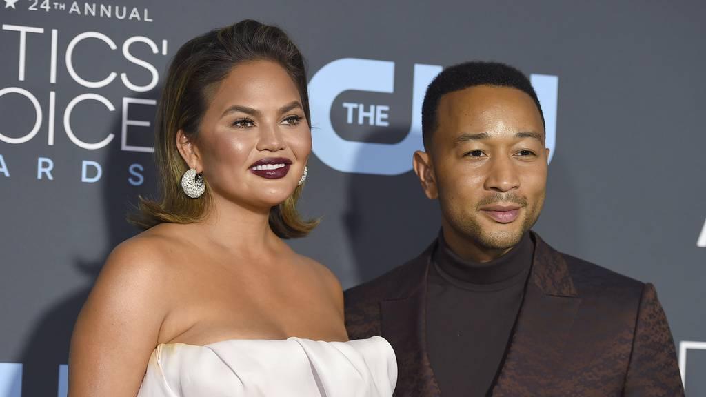 John Legend mit seiner Frau Chrissy Teigen