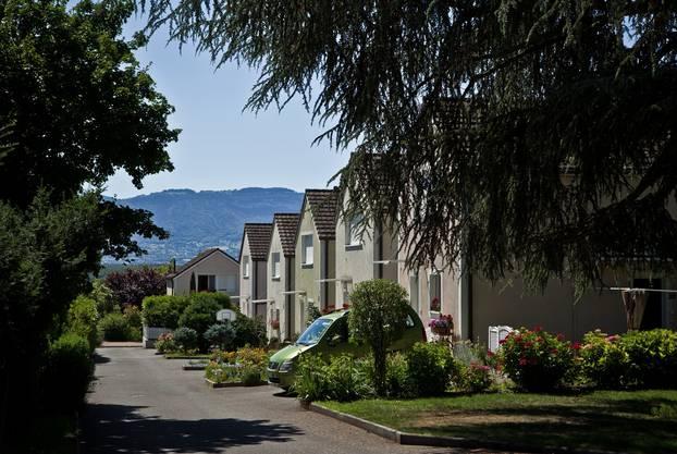 Im Kontrast dazu: Die schönen Siedlungen mit Reihenhäusern