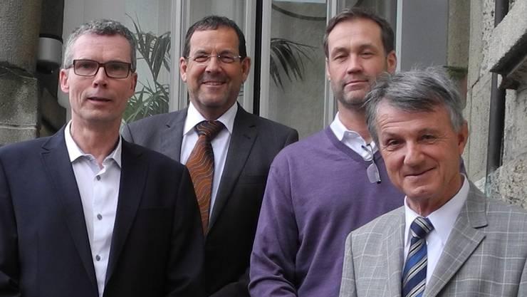 Thomas Bättig (Geschäftsführer «proSenio»), Jürg Matter (VR-Präsident Bethesda Alterszentren AG), Niklaus Schertenleib (Vizepräsident «proSenio») und Jan Kocher (Präsident «proSenio», von links). ssu
