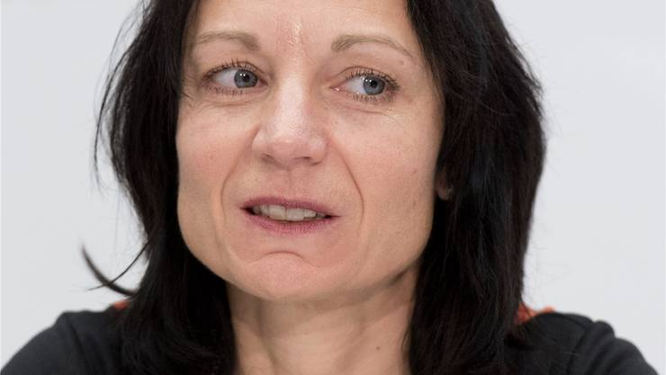 SP-Nationalrätin Yvonne Feri gewährt eine ihrer Zutrittskarten ins Parlament einer Kommunikationsfirma, die unter anderem Misswahlen organisiert.