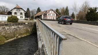 Die Oeschbrücke wird ersetzt und gleichzeitig der Gewässerraum verbreitert.