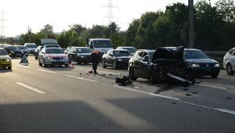 Unfall auf der A2 bei Augst