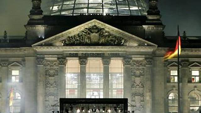 Der Reichstag in neuem Lichte betrachtet