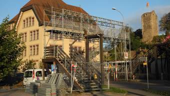 Schon kurz nach dem Crash wurde in Laufenburg eine provisorische Passerelle errichtet. archiv/mf