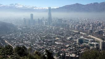 Mit einem vom EDA organisierten Flug sind 159 Schweizer Reisende aus Santiago de Chile (Bild) in die Schweiz geflogen worden. (Archivbild)