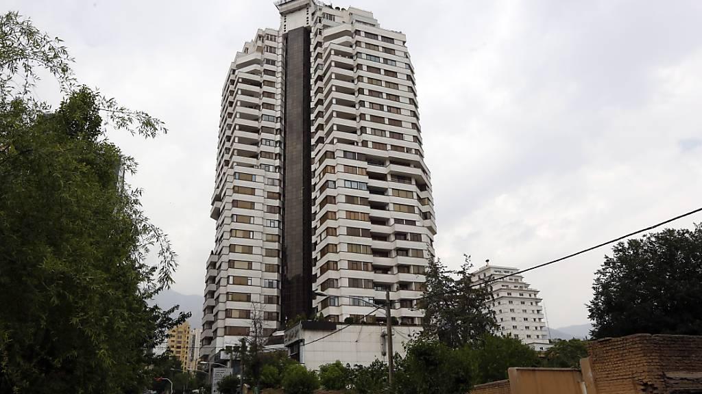 Hochhaus im Stadtteil Kamranieh im Norden der iranischen Hauptstadt Teheran. Aus einem solchen Hochhaus stürzte am Montag eine hochrangige Schweizer Botschaftsmitarbeiterin zu Tode.
