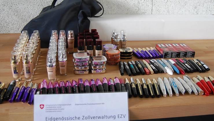 Die Ladendiebe stahlen Kosmetika im Wert von 400 Franken. (Symbolbild)