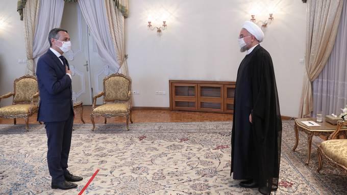 Bundesrat Ignazio Cassis (links) am 7. September im Büro des iranischen Präsidenten Hassan Rohani.