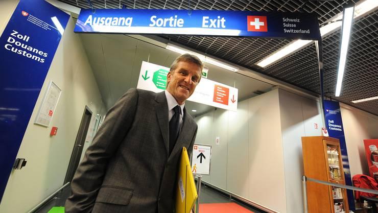 «Im Zweifel ist der rote Ausgang immer der richtige»: Hanspeter Weingart beim Schweizer Ausgang. Junkov